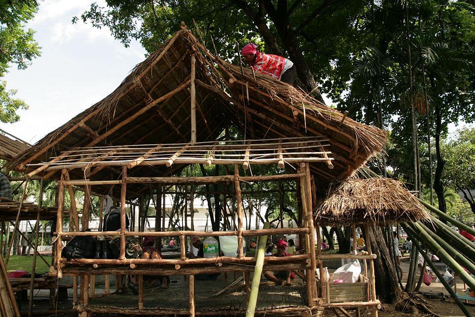 mindanao paradies im norden guerillas im s den. Black Bedroom Furniture Sets. Home Design Ideas